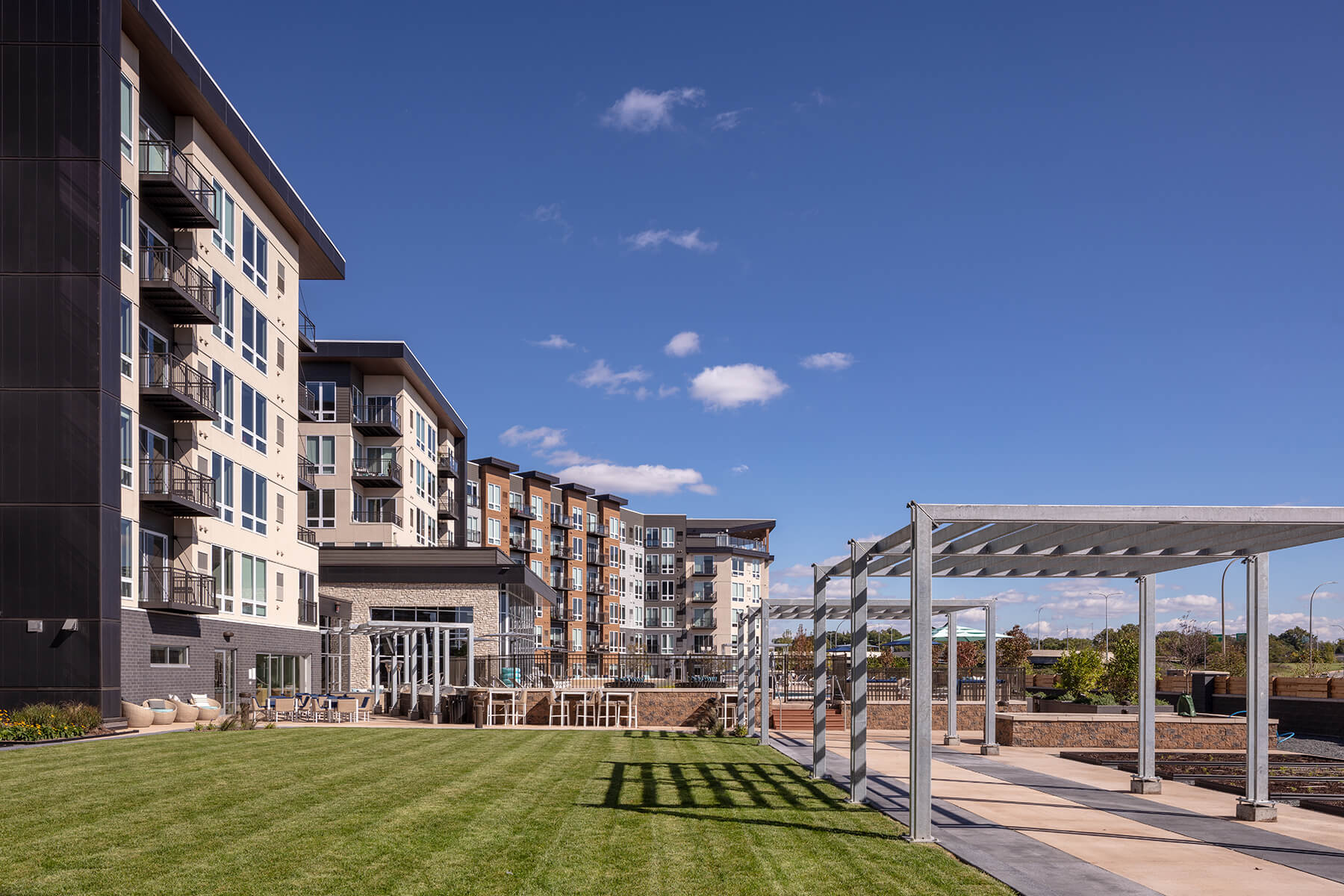 Minneapolis Luxury Apartments for Rent Photo of  SPRAWL: Outdoor lawn area - Lifestyles of the chill & active